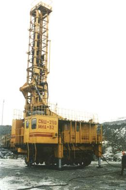 Rotary drilling rig SBSH-250MNA-32KP of frame-platform type